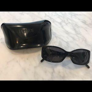 Fendi FS303 sunglasses